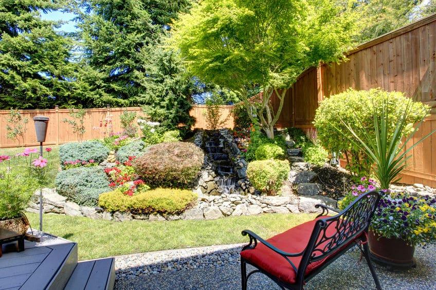 Habitat et écologie: quels sont les multiples usages des chemins en bois pour l'aménagement de l'espace extérieur de votre maison?